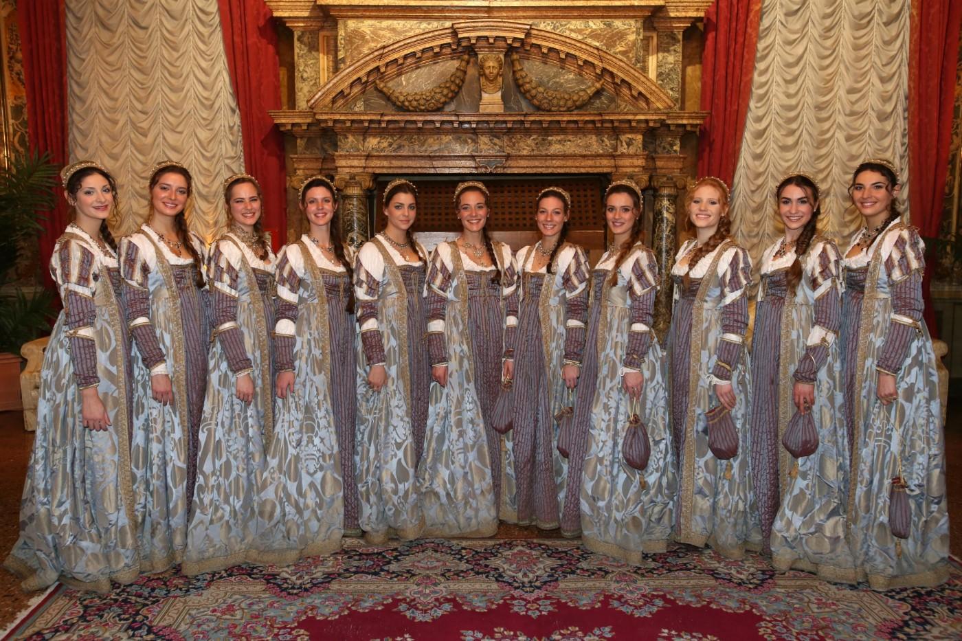 Les Maries du Carnaval