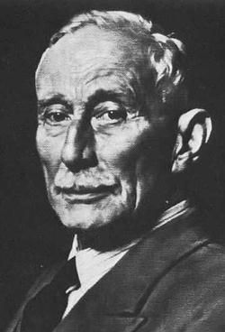 Portrait de Hubert Cecil Booth